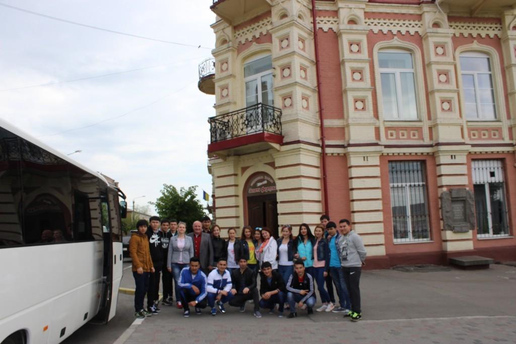 Екскурсія іноземних студентів до Буцького каньйону